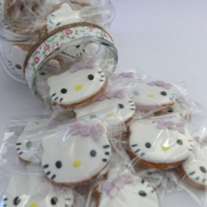Galletas Hello Kitty morado